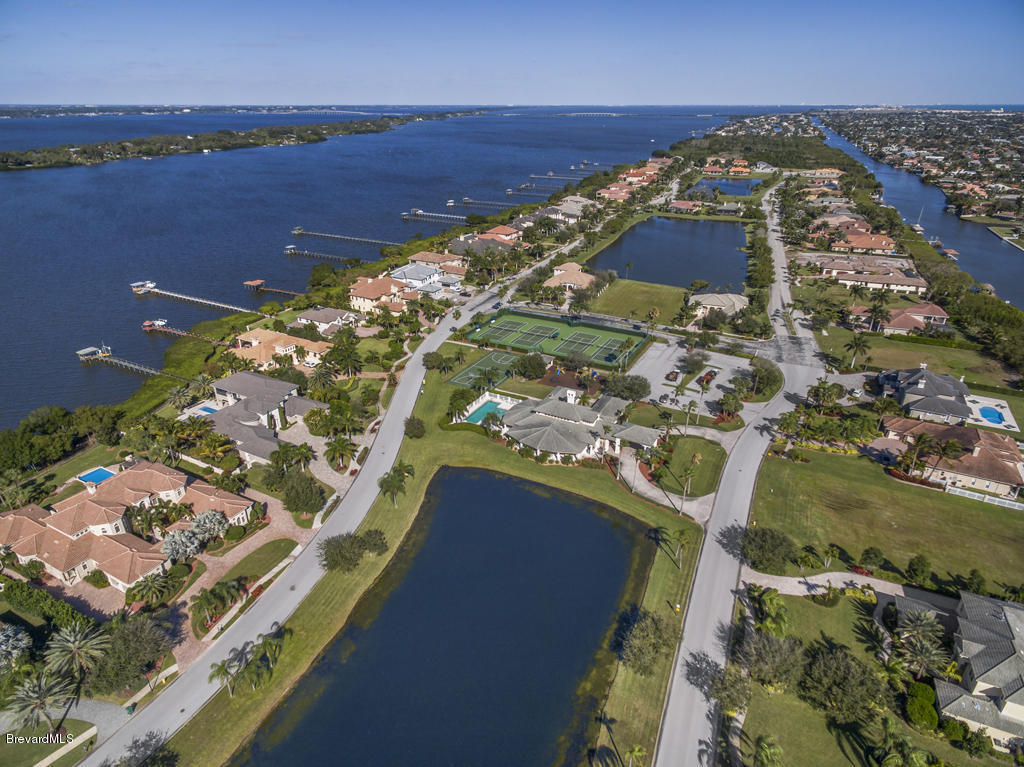 harbor beach dating site Harbor beach apartments located in orlando, florida, offer charming one and two bedroom floor plans with private access to lake fredrica beach our pet friendly community features spacious open flo.